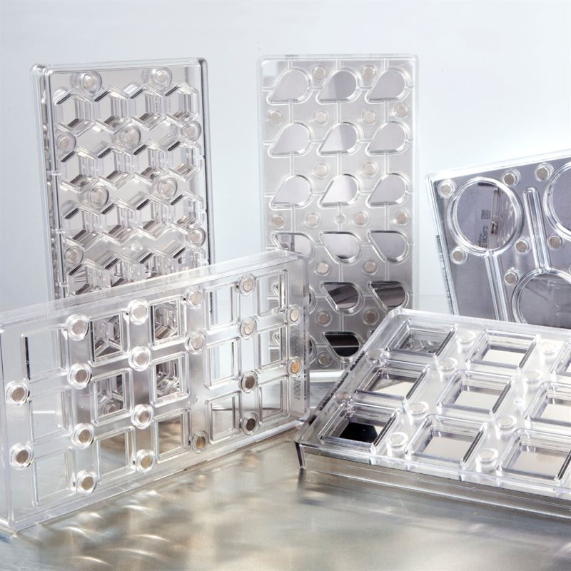 MAGNETIC MOLDS
