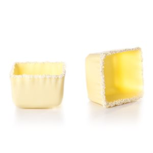 RIMMED SQUARE CUP, WHITE CHOCOLATE