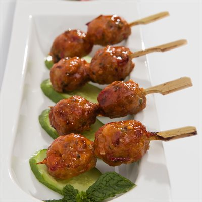 APP BANH MI MEATBALL ON PADDLE SKEWER, 180 PCS