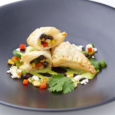 APP BLACK BEAN & CORN EMPANADA, 200PCS